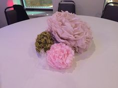 Pom Centerpiece - Pink and Gold