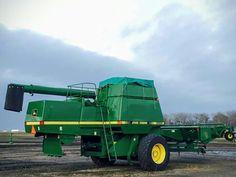 John Deere Equipment, Old Farm Equipment, Old Tractors, John Deere Tractors, Tractor Machine, John Deere Combine, Agriculture Tractor, Combine Harvester, Farm Pictures