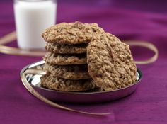 Cinnamon Oatmeal Pecan Cookies Makes 32 Cookies $0.17 per serving (As of December 2012*) Cookies are classic holiday indulgences that don't ...