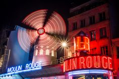 Le Moulin Rouge - Cours photo de nuit - grainedephotographe.com