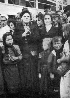 Irish emigrants on their way to New York, 1904