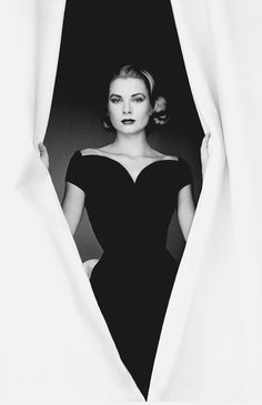 Grace Kelly, photo by Howell Conant