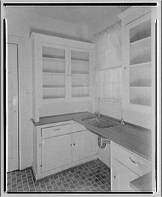 Kitchen Equipment Co. Kitchen by Kitchen Equipment Co. 1930s Kitchen, Old Kitchen, Kitchen And Bath, Vintage Kitchen, Kitchen Decor, Kitchen Design, Kitchen Ideas, Bungalow Kitchen, 1920s House
