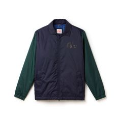 Warmth meets protection in this two-tone Lacoste Live jacket made of water-repellent taffeta. An innovative material for a sleek and absolutely contemporary look.