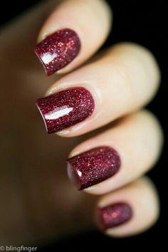 Burgundy glitter nailart #nailart #nails #Burgundy #glitter