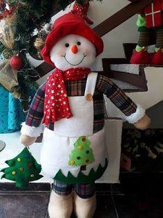 ENFEITE NATAL CREDITOS NAS FOTOS | FELTRO MOLDES ARTESANATO EM GERAL | Bloglovin' Christmas Diy, Christmas Wreaths, Christmas Decorations, Christmas Ornaments, Holiday Decor, 242, Handmade Design, Elf On The Shelf, Ideas Para