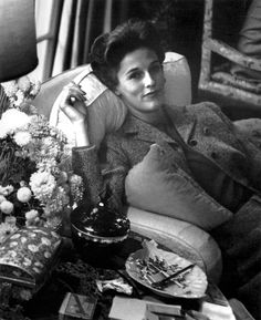 Babe Paley, photographed by Alexander Liberman, 1942.