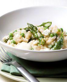 Risotto met groene asperges, erwten en geitenkaas