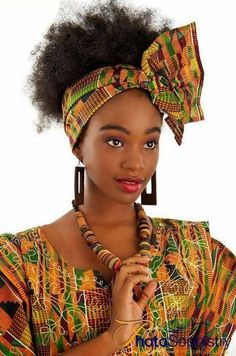 Gorgeous 49 head wraps for African American women Hairstyles 2020 New hairstyles and hair colors African Wear, African Attire, African Dress, African Inspired Fashion, Africa Fashion, 80s Fashion, Fashion Styles, Style Fashion, New Natural Hairstyles