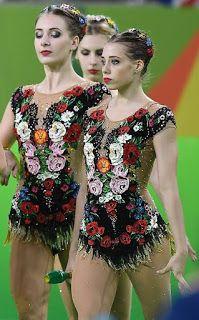 esteruss: 10 maillots rusos deslumbrantes Figure Skating Dresses, Ballroom Dress, Rhythmic Gymnastics, Dance Moves, Skate, Costumes, Boutique, Sport, Beautiful