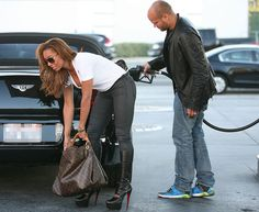 Mel B funny gas pic⛽ You Funny, It's Funny, Funny Stuff, Harem Pants, Normcore, Humor, Celebrities, Style, Eyes