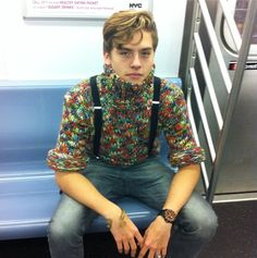 Dylan Sprouse Style In Subway Dylan Sprouse, Sprouse Bros, Beautiful Boys, Beautiful People, Zack Y Cody, Cole Sprouse Jughead, Dylan And Cole, Dylan Thomas, Riverdale Memes