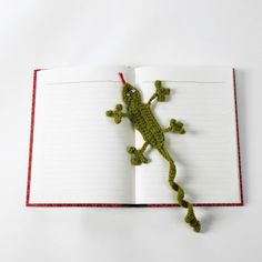 Lion Brand Crochet Gecko Bookmark; great for kids summer reading programs!