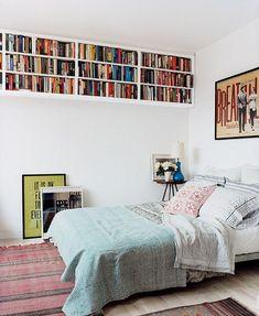 Unique beautiful new bedroom storage solutions 30 Small Bedroom Organization, Small Bedroom Storage, Bedroom Small, Organization Ideas, Trendy Bedroom, Bedroom Romantic, Small Bedroom Designs, Double Bedroom, Bookshelves In Bedroom