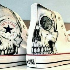 Skull Converse All Star Crazy Shoes, Me Too Shoes, Red Shoes, Vans Shoes, Converse Sneakers, White Shoes, Hightop Shoes, Footwear Shoes, Converse High