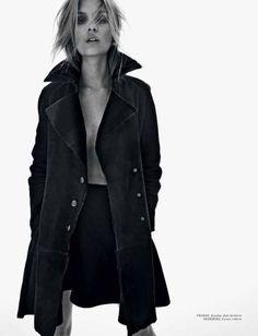 pop your collar #coat #fashion
