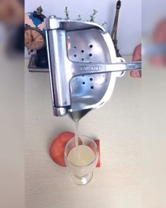 Get delicious, healthy juices for you and your family. Works well on apple, orange, lemons, limes. This tool can squeeze them all with maximum results. It is ideal for any kitchen or bar tool. Unique Gadgets, Gadgets And Gizmos, Latest Gadgets, Awesome Gadgets, Cool Kitchen Gadgets, Kitchen Tools, Cool Kitchens, Bathroom Gadgets, Modern Kitchen Cabinets