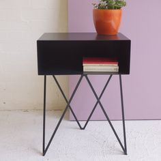 Image of Robot side table in black