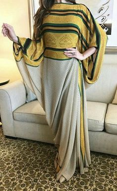 Abaya Fashion, Moda Fashion, Muslim Fashion, Fashion Dresses, Stylish Dress Designs, Designs For Dresses, Stylish Dresses, Casual Dresses, Kurti Designs Party Wear