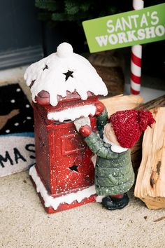 Child With Postbox : Create a Festive Atmosphere In Your Home This Season With These Wonderful Additions. Christmas Cake Designs, Christmas Decorations, Cookies Policy, Christmas 2019, Wonderful Time, Gingerbread, Festive, Santa, Diy Crafts