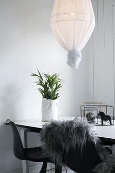 The Artisans Daughter: DIY | Ay Illuminate Inspired Lamp