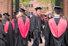 Graduation day is the biggest day for every graduate out there. Today, we will look into some coolest university graduation gowns from some famous universi Harvard Graduate, Harvard Law, Graduate School, Law School, Medical School, Wharton Business School, Harvard Business School, University Of Toronto, Harvard University