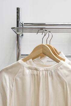 Pivo- lisävarustehylly 50 cm Clothes Hanger, Design, Coat Hanger, Hangers, Closet Hangers, Design Comics, Clothes Racks