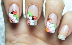 Decoración de uñas flor y mariquita2-3 Butterfly Nail, Flower Nail Art, Nail Manicure, Toe Nails, Ladybug Nail Art, Zebra Print Nails, Daisy Nails, Nail Polish Crafts, French Tip Nails