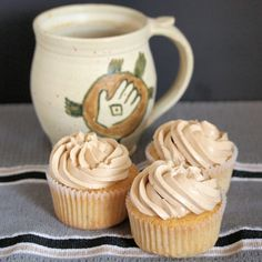 Hazelnut Cupcakes with Coffee Buttercream - Tramplingrose