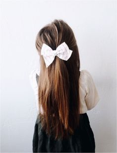 Little Girl Hairstyles Baby Girl Fashion, Toddler Fashion, Toddler Outfits, Kids Fashion, Girl Outfits, Fashion Top, Girl Hair Dos, Kid Hair, Baby Girl Hairstyles