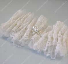 Подвязка невесты Milk White молочная нежная сетка, изящное кружево с кордовой нитью, жемчужные бусины - воздушный аксессуар от Шик Европейский