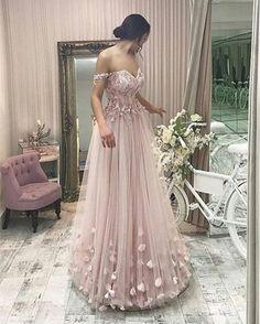 Elegant V-neck Tulle Floor Length Empire Prom Dresses Off Shoulder With Lace Beaded M1057