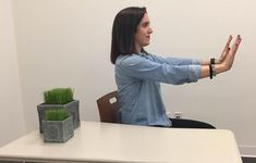These 5 stretches can ease your hand and wrist pain whether it's caused by carpal tunnel syndrome or simply too much time on a computer. Carpal Tunnel Surgery, Carpal Tunnel Relief, Carpal Tunnel Syndrome, Carpal Tunnel Exercises, Wrist Stretches, Wrist Pain, Rheumatoid Arthritis Symptoms, Psoas Muscle, Neck And Back Pain