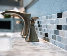 Mini subway-tile mosaics: The new kitchen and bathroom trend you need to know about. We're mad about these mini subway-tile mosaics! Kitchen Tile, New Kitchen, Tile Mosaics, Shower Cubicles, Bathroom Trends, Splashback, Good Housekeeping, Color Of The Year, Subway Tile