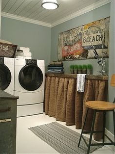 country laundry room,didding the burlap!