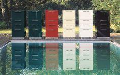 Hüsta Scalic: mooi in rood, petrol, zwart, wit, creme blauw! Ook als lage, brede ladenkast en in andere solitaire meubelen.