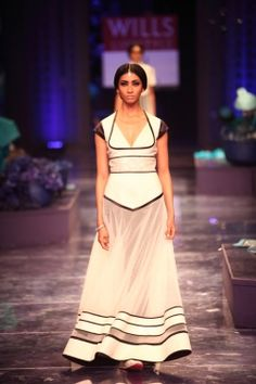 J J Vallaya - Wills India Fashion Week Autumn/Winter 2012 Show & Collection Review | Vogue INDIA