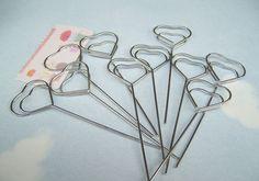 10 Pcs Heart Shaped Wire Memo Holder Clips, Sign Holder, Escort Card Display, Namecard Holder, Pick