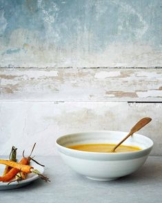 Carrot Ginger Soup Recipe (This carrot ginger soup is easy, vegan, and tastes incredible.recipes for winter; Gourmet Recipes, Soup Recipes, Vegetarian Recipes, Healthy Recipes, Vegan Soups, Recipes Dinner, Baking Recipes, Ginger Soup Recipe, Carrot Ginger Soup