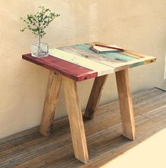 Check out this new collection of handmade furniture featuring 16 Superb Handmade Coffee Table and Side Table Designs For Your Living Room. Diy Coffee Table, Decorating Coffee Tables, Coffee Table Design, Modern Coffee Tables, Coffee Coffee, Diy Table, Diy Pallet Furniture, Diy Furniture Projects, Handmade Furniture