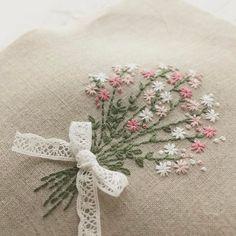Embroidery of a bouquet 今日も相変わらず針持ってます。 #handmade #刺繍 #stitch