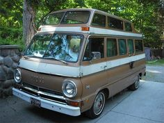 we had a dodge van just like this back in 1976, oh the fun we had!