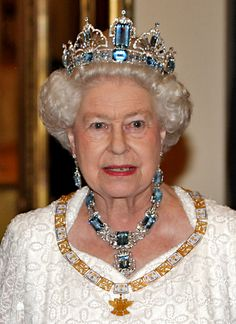 This tiara would look great with my eyes! Brazilian Aquamarine Tiara and Necklace, presented to Queen Elizabeth II by Brazil in 1953 brazil britain parure Royal Crown Jewels, Royal Crowns, Royal Tiaras, Royal Jewelry, Tiaras And Crowns, British Crown Jewels, Jewellery, Princess Crowns, Princess Party