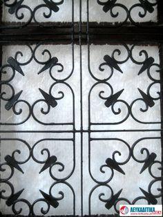 Διακοσμητικά κάγκελα πόρτας Νο 6.