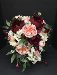 Gorgeous bridal bouquet. wedding ideas | wedding themes | wedding planning | bride to be | engaged | couple | wedding planning | wedding flowers.