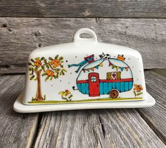 Pottery Painting Designs, Pottery Designs, Paint Designs, Ceramic Pottery, Pottery Art, Painted Pottery, Hand Painted Ceramics, Porcelain Ceramics, Ceramic Painting