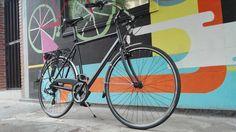 Recientemente hemos entregado esta Gran Turismo Uomo P 28 21v 60UP para que empiece a rodar por las calles de Madrid.  Puedes elegir entre esta y muchas más bicis urbanas en www.labiciurbana.com  #biciurbana Bicycle, Vehicles, Bicycle Shop, Urban, Bike, Bicycle Kick, Bicycles, Car, Vehicle