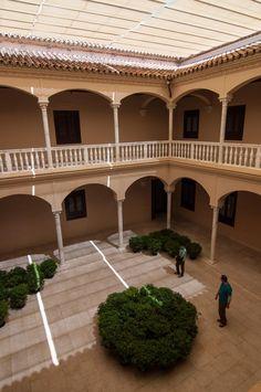 Málaga,   El precioso patio interior del Museo Picasso, que se encuentra ubicado en uno de los más hermosos palacios renacentistas de la ciudad | C.Jordá