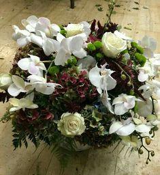 Λουλούδια Online - Πρόσφερε φρέσκα λουλούδια, ανθοδέσμες, μπουκέτα με λουλούδια για ονομαστική γιορτή, γενέθλια, επέτειο και ευχηθείτε Χρονιά Πολλά στους αγαπημένους σας.