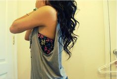 Loose grey tank top with floral bandeau. I have the bandeau now just a grey tank Tumblr Fashion, Diy Fashion, Teen Fashion, Fashion Beauty, Fashion Outfits, Womens Fashion, Fashion Ideas, Fashion Tips, Swag